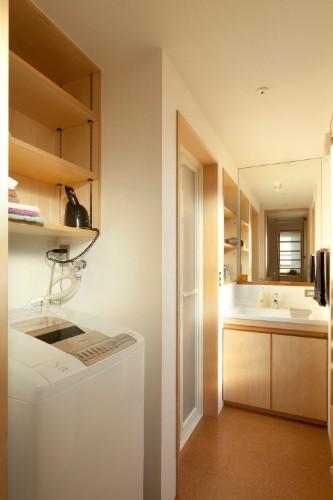 脱ぐ・洗う・干す・たたむを一か所で行う、洗面脱衣兼用ランドリー室