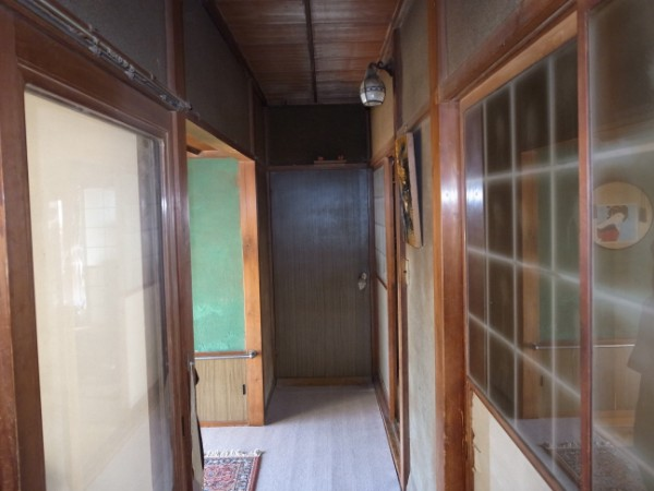 工事前の廊下